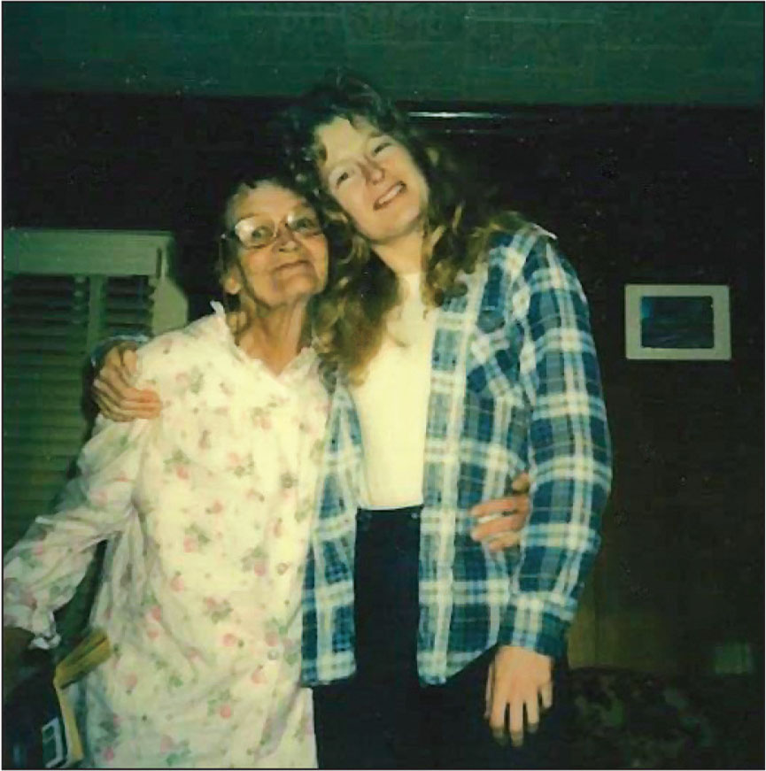 Anita and her mom in 1986.Photo courtesy of A. Tesh.